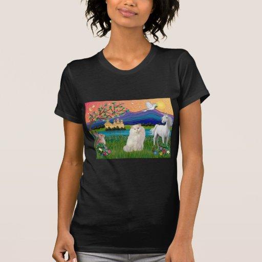 Gato blanco persa - tierra de la fantasía t-shirt