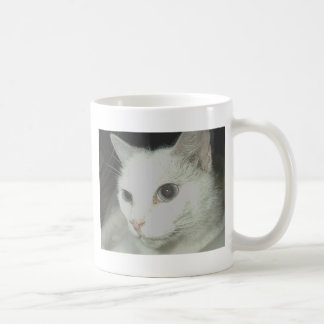Gato blanco taza clásica