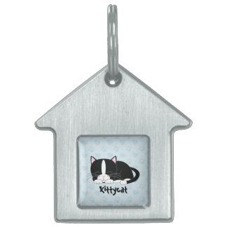 Gato blanco y negro del smoking {azul} placa de nombre de mascota