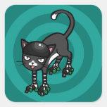 Gato blanco y negro en Rollerskates Pegatina Cuadradas Personalizadas