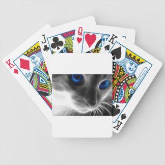 Gato blanco y negro observado azul del gatito baraja de cartas
