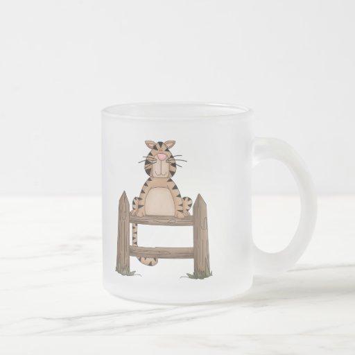 Gato cariñoso del país taza cristal mate