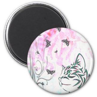 Gato coloreado, mariposas y remolinos florales imán redondo 5 cm