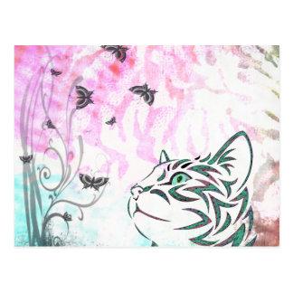 Gato coloreado, mariposas y remolinos florales postales