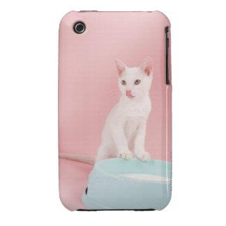 Gato con el cuenco de leche funda para iPhone 3
