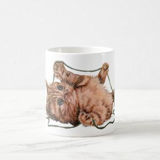 Gato con el dibujo del hilado del gatito del taza clásica
