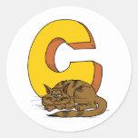 Gato con la letra C Etiquetas Redondas