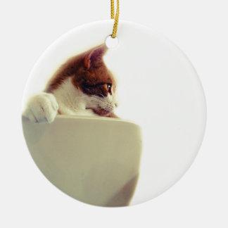 Gato cremoso adorno redondo de cerámica