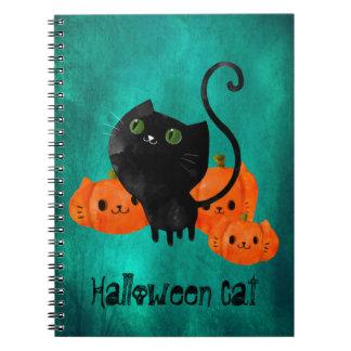Gato de Halloween con las calabazas Libreta Espiral