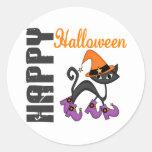 Gato de Halloween en las botas de la bruja Pegatinas Redondas