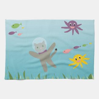 Gato de la natación toalla