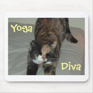 Gato de la yoga alfombrillas de ratón