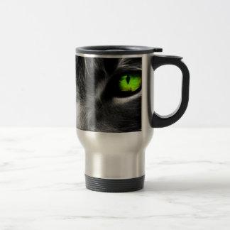Gato de ojos verdes taza de viaje