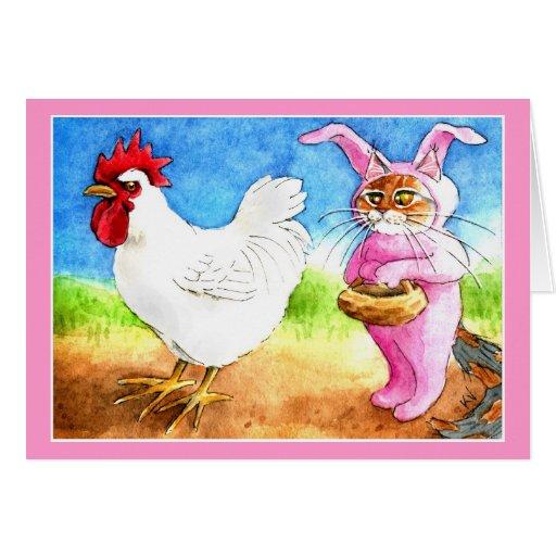 Gato de Pascua en juego del conejito y gallo Tarjeta De Felicitación