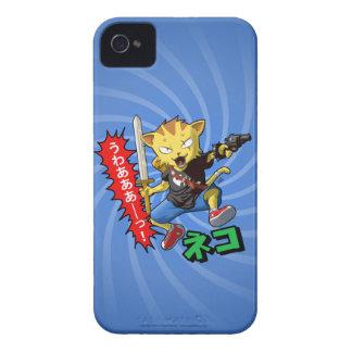 Gato de salto amarillo fresco con la espada y el a iPhone 4 Case-Mate coberturas