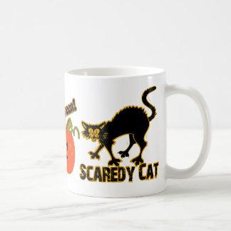 Gato de Scaredy Taza Básica Blanca