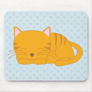 Gato de Tabby anaranjado el dormir Mouse Pads