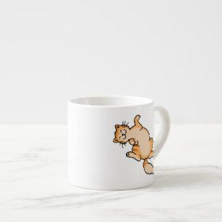 Gato de tabby anaranjado taza de espresso