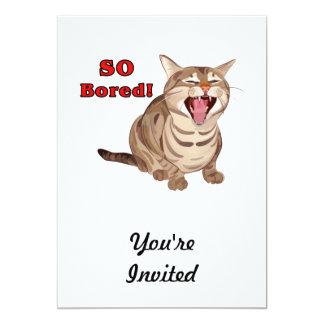 Gato de Tabby de bostezo agujereado tan Invitación 12,7 X 17,8 Cm