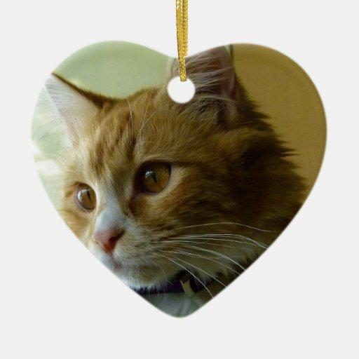 gato del gatito adorno navideño de cerámica en forma de corazón
