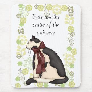 Gato del gatito con la imagen de las flores alfombrillas de ratón