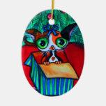 Gato del gatito del navidad en el ornamento del adorno ovalado de cerámica