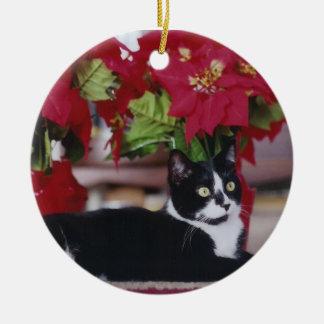 Gato del navidad del smoking adorno redondo de cerámica