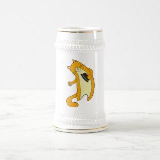 Gato del saludo jarra de cerveza