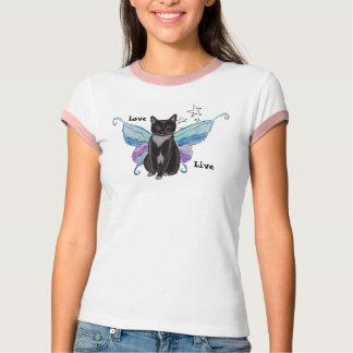 Gato del smoking con las alas camisas