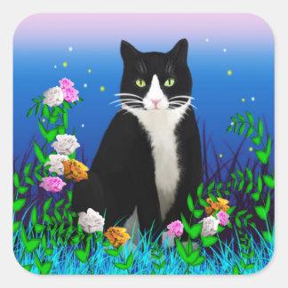 Gato del smoking con los pegatinas de las flores pegatina cuadrada