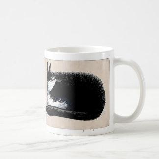 Gato del smoking - estaño taza básica blanca