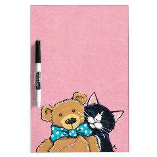 Gato del smoking y oso de peluche con la pajarita pizarras blancas de calidad