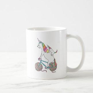 Gato del unicornio del montar a caballo del taza de café