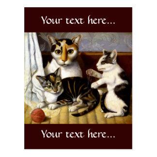 Gato del vintage con los gatitos postal