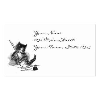 Gato del vintage que escribe una letra plantilla de tarjeta personal