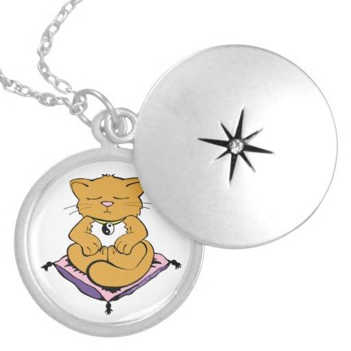 Gato del zen por encanto del gatito de Susan M. Ep Joyerias