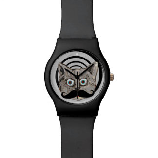 gato divertido extraño con el bigote reloj