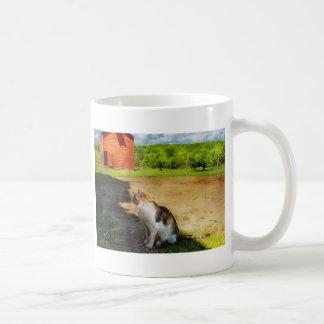 Gato - el perro ratonero taza básica blanca