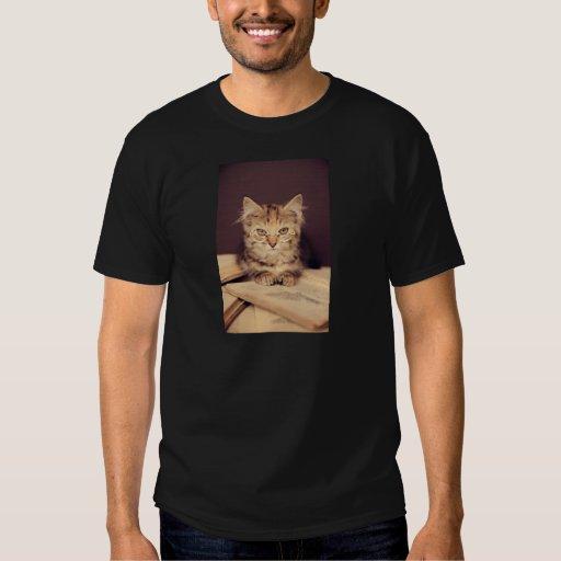 gato elegante playera