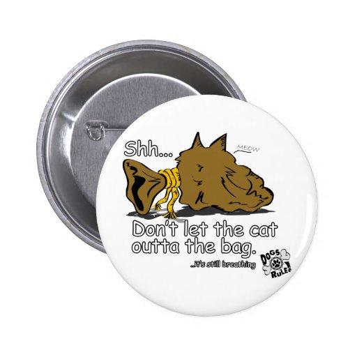Gato en el bolso pin redondo 5 cm