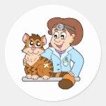 Gato en el veterinario pegatina redonda
