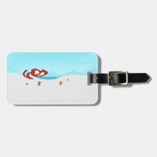 Gato en la playa que mira Seashells Etiquetas De Equipaje
