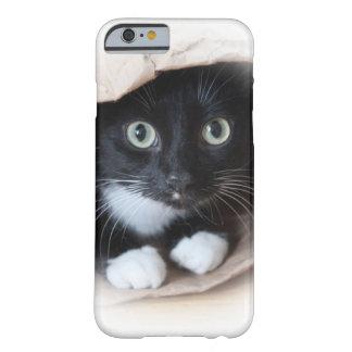 Gato en un bolso funda de iPhone 6 barely there