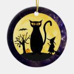Gato en un ornamento de la luna de Halloween Ornamentos Para Reyes Magos
