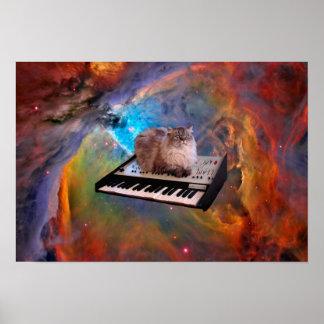 Gato en un teclado en espacio póster
