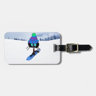 Gato en una snowboard etiquetas bolsas