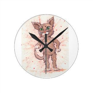 Gato enérgico reloj redondo mediano