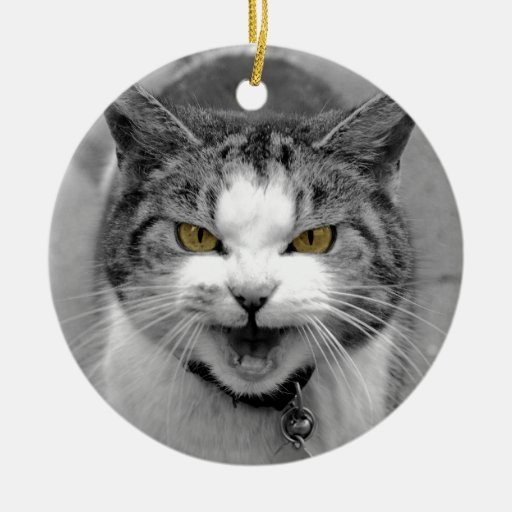 Gato enojado adorno navideño redondo de cerámica