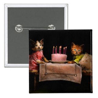 Gato - es nuestro cumpleaños - 1914 chapa cuadrada 5 cm