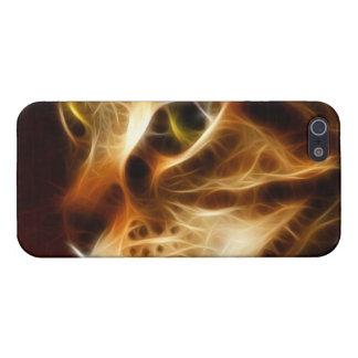 Gato fantasmal hermoso del fuego iPhone 5 carcasa